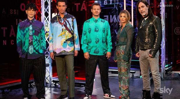 X Factor 2020, la semifinale: ospiti i Pinguini Tattici Nucleari. Nella prima manche i featuring con i grandi artisti