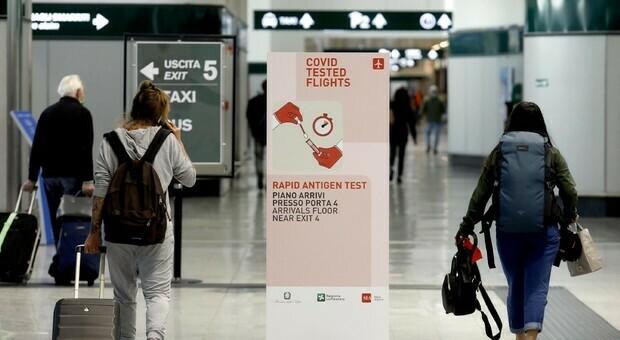 """Green Pass, come ottenerlo e come funziona. Spostamenti e viaggi, le regole del """"passaporto"""" sanitario italiano"""