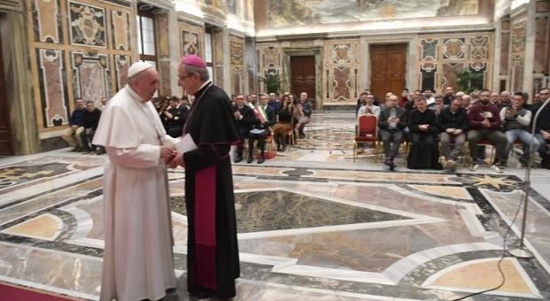 Il Papa con il vescovo Bresciani