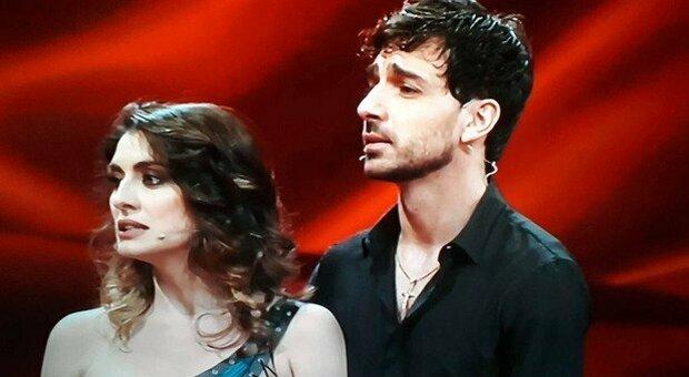 Ballando, Raimondo Todaro con Elisa Isoardi: «Ero infortunato prima della finale». Poi si cimenta in un ruolo nuovo