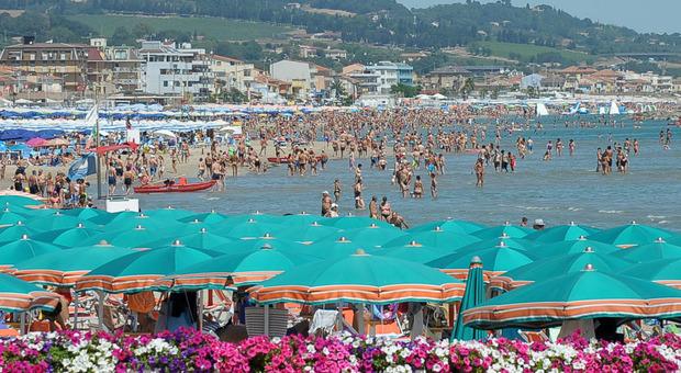 Imposta di soggiorno, in un anno 3,7 milioni di incassi nelle Marche, tra i più bassi d'Italia. Ecco cosa influisce