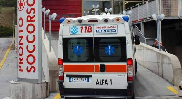 Scontro alla Gabella: feriti due giovani poi portati all'ospedale di Torrette