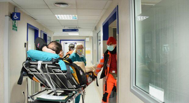 Il virus maledetto fa altre 2 vittime: all'ospedale di Torrette 103 ricoverati