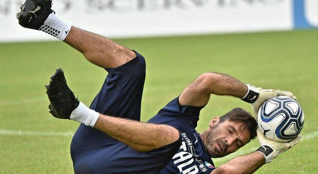 """Buffon, dopo vent'anni il """"ritorno a casa"""" non è più un sogno. Si attende l'ufficialità dal Parma"""