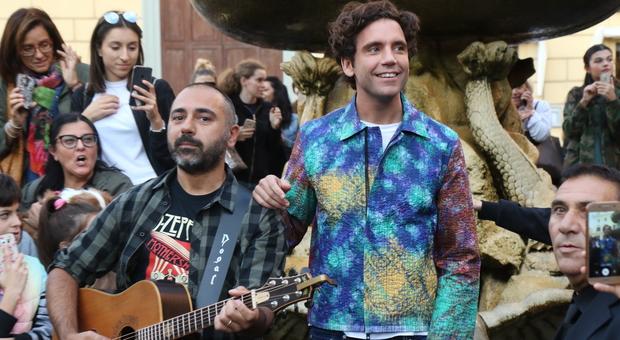 Mika risponde ai ragazzi: «La più bella intervista che abbia mai fatto»