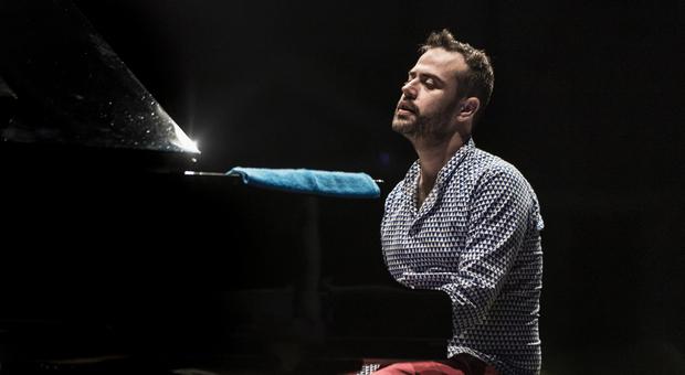 Il pianista Giovanni Guidi oggi a Fano