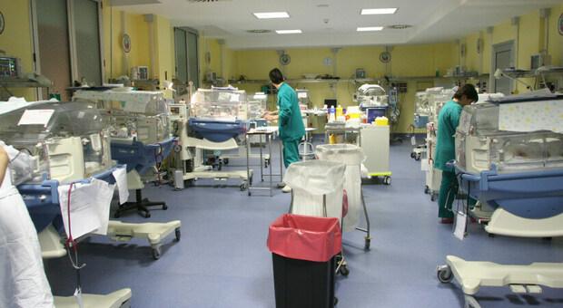 Il virus senza cuore: bimba di 15 giorni ricoverata all'ospedale Salesi