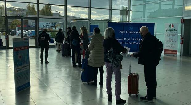 All'aeroporto delle Marche oltre seimila tamponi in un mese: ecco quanti casi positivi sono stati riscontrati