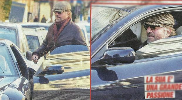 Christian De Sica parcheggia la sua Ferrari sulle striscie pedonali a Roma