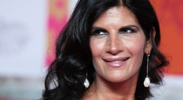 Pamela Prati ritorna in tv? Il gossip: «Parlerà del suo libro dove tutto è cominciato»