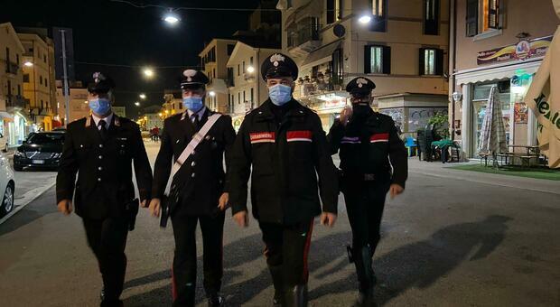 Controlli dei carabinieri in centro