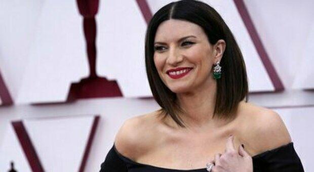 Laura Pausini, annuncia un docu-film su Amazon Prime Video: «C era una cosa che non avevo mai raccontato che desideravo condividere»
