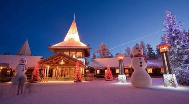 Rovaniemi Lapponia Babbo Natale.Finlandia Nel Villaggio Di Babbo Natale In Viaggio Al