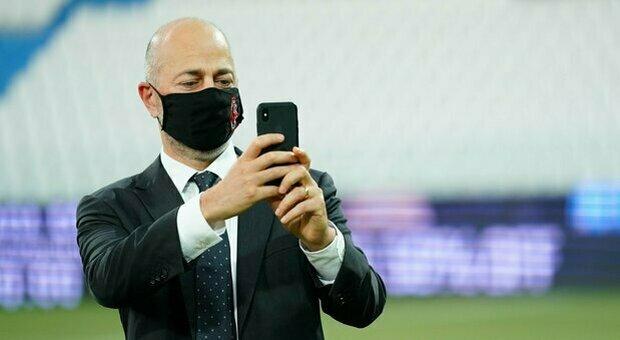 Milan, apprensione per Gazidis. Diagnosticato un carcinoma alla gola