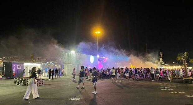 La banchina, l'area per la movida aperta al porto di Ancona dall'imprenditrice Michela Rossi