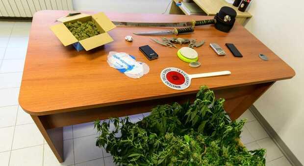 Sequestrato un mini arsenale da guerra: Rambo finisce nei guai