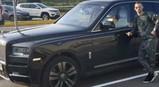 Brozovic in Rolls Royce passa col rosso: alcoltest positivo e patente ritirata