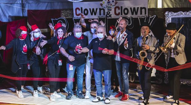 Clown&Clown, spettacolo e solidarietà: in otto in corsa per il premio Takimiri. Giovedì si entrerà nel vivo