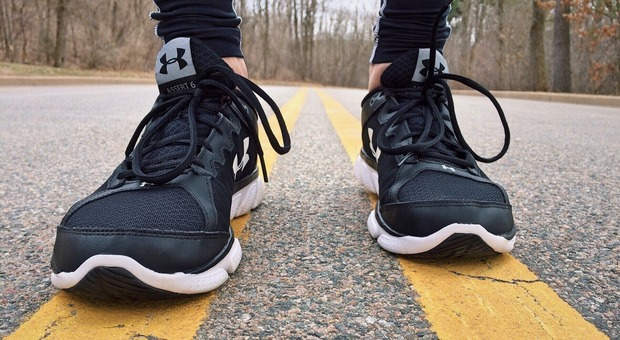 Runner corre per 6 km lontano da casa, la scusa: «Mi stava inseguendo un cane»