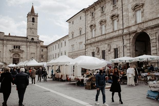 Ascoli Capitale della cultura 2024, gli imprenditori fanno orecchie da mercante e non mettono soldi: il sindaco chiede uno sforzo