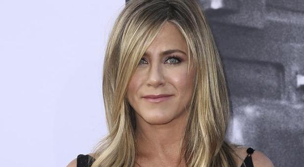Jennifer Aniston: «Non vedo più i miei amici no vax. È un vero peccato»