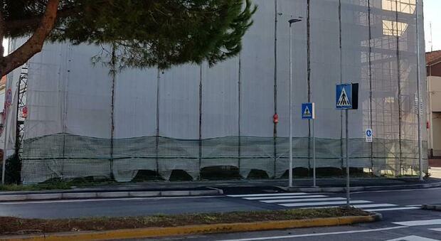 L edificio fantasma dell ex Copredil su via Solferino