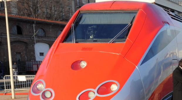 Le Marche in treno: estate con più Freccia Rossa e Regionali, sconti in spiaggia a chi li utilizza
