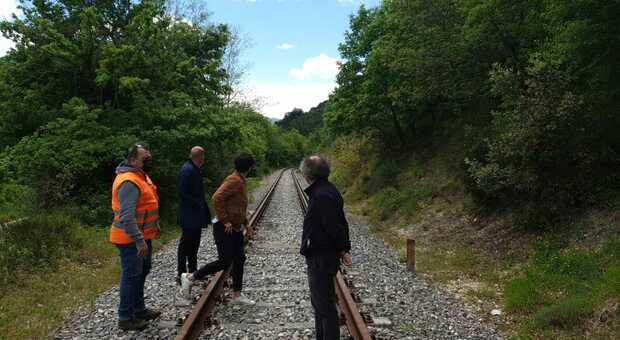 Il rilancio della Fabriano-Pergola con il passaggio dei treni d epoca: ecco tutte le possibilità e tutte le idee