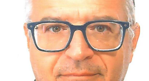 Si è spento a 59 anni l'insegnante Mario Bertoni: è morto due giorni dopo il vaccino, l autopsia svela il diabete