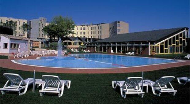 La crisi dell'hotel Federico II arriva in Regione. Aguzzi: «Buone prospettive per il personale»