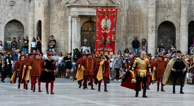 A luglio il corteo storico non passerà per piazza del popolo