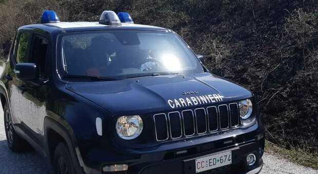Due auto rubate in pochi giorni: recuperi lampo dei carabinieri, ora è caccia ai ladri