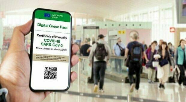 Green pass, via nell'Ue ma Italia in ritardo (e paga il turismo). Grecia, Croazia e Spagna già pronte