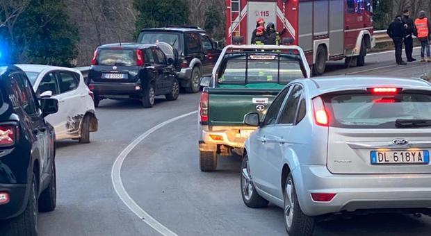 Acquasanta, schianto fra due auto sulla Salaria: 5 feriti all'ospedale