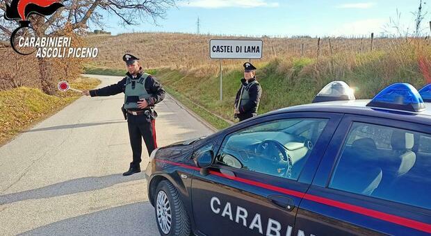Castel di Lama, i carabinieri vedono lo spaccio in diretta: insospettabile preso con hashish e marijuana