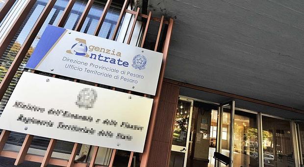 Favori fiscali in cambio di assunzioni: patteggia l'ex direttore dell'Agenzia delle Entrate, altri 6 rinviati a giudizio