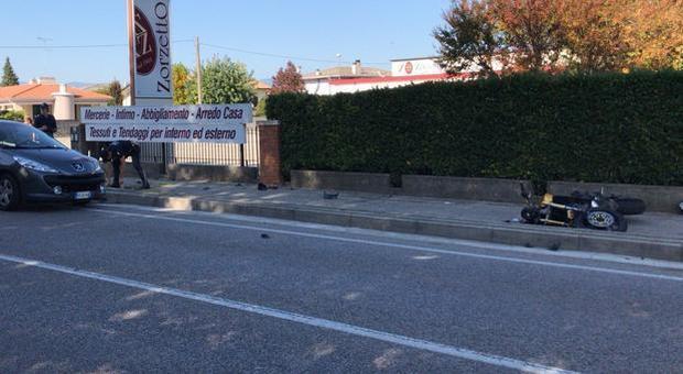 Treviso, con la moto contro un'auto: centauro muore sul colpo