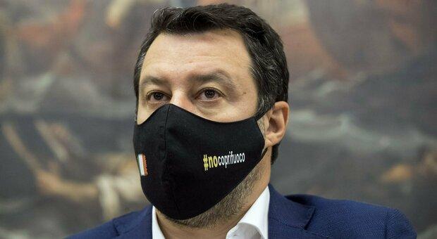Coprifuoco, Salvini: «I ministri della Lega nel prossimo Cdm chiederanno di riaprire tutto, all'aperto e al chiuso»