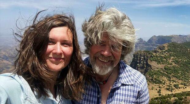 Reinhold Messner si sposa per la terza volta: la compagna Diane è 35 anni più giovane
