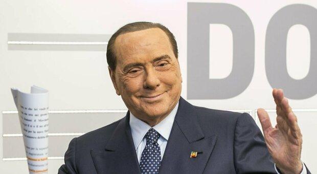 Berlusconi si sente male in casa: nuovo ricovero in ospedale per controlli post Covid