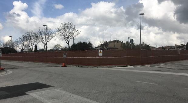 Tanta attesa ma il nuovo polo scolastico stecca la prima: non c'era nessuno all apertura del cantiere