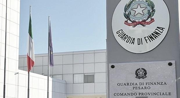Fano, maxi frode fiscale e milioni di euro riciclati all'estero: arrestato un commercialista