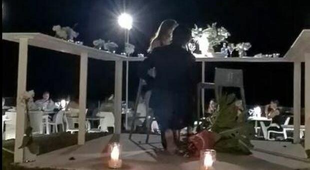 Gianmarco Tamberi chiede a Chiara di sposarlo alla vigilia delle Olimpiadi: «She said yes»