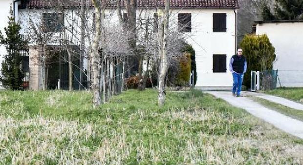 Cade e muore dilaniato dalle lame della fresa mentre - Quando seminare erba giardino ...