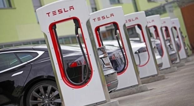 """Il """"motore"""" sarà la batteria: più autonomia e durata per un mondo ricaricabile"""