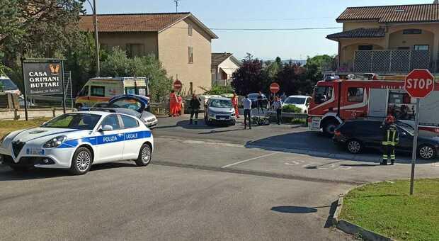 Scontro tra auto e moto: ragazzo di 16 anni portato a Torrette con l'eliambulanza