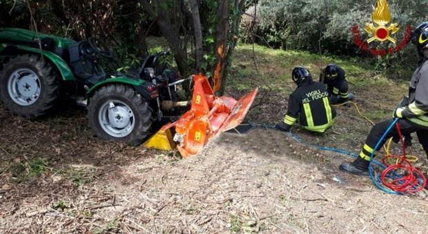 Fano, muore a 95 anni straziato dalle lame della motozappa mentre lavora sul suo terreno
