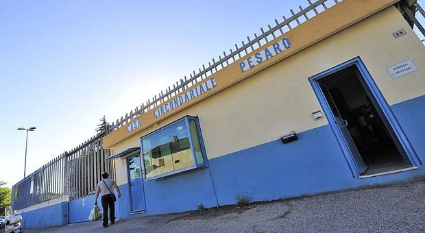 Detenuto devasta una sezione del carcere. I sindacati intervengono: «Trasferitelo»