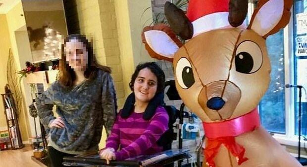 Uccide la sorella disabile mentre i genitori dormono nell'altra stanza, in manette una 14enne