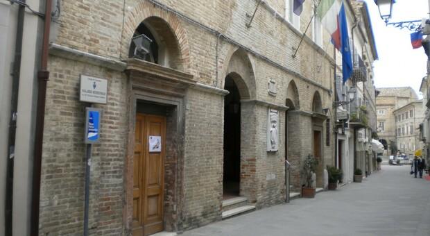 Due casi positivi in Comune: a Loreto adesso si scatena la corsa al tampone